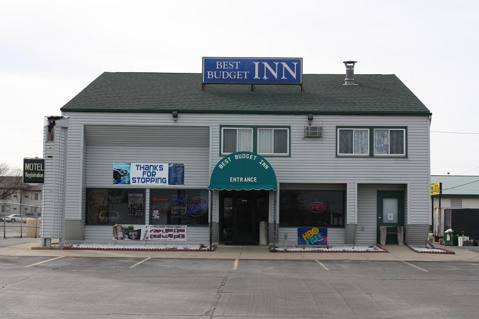 Best Budget Inn, 1180 West Frontage Rd, Owatonna, MN, 55060, USA